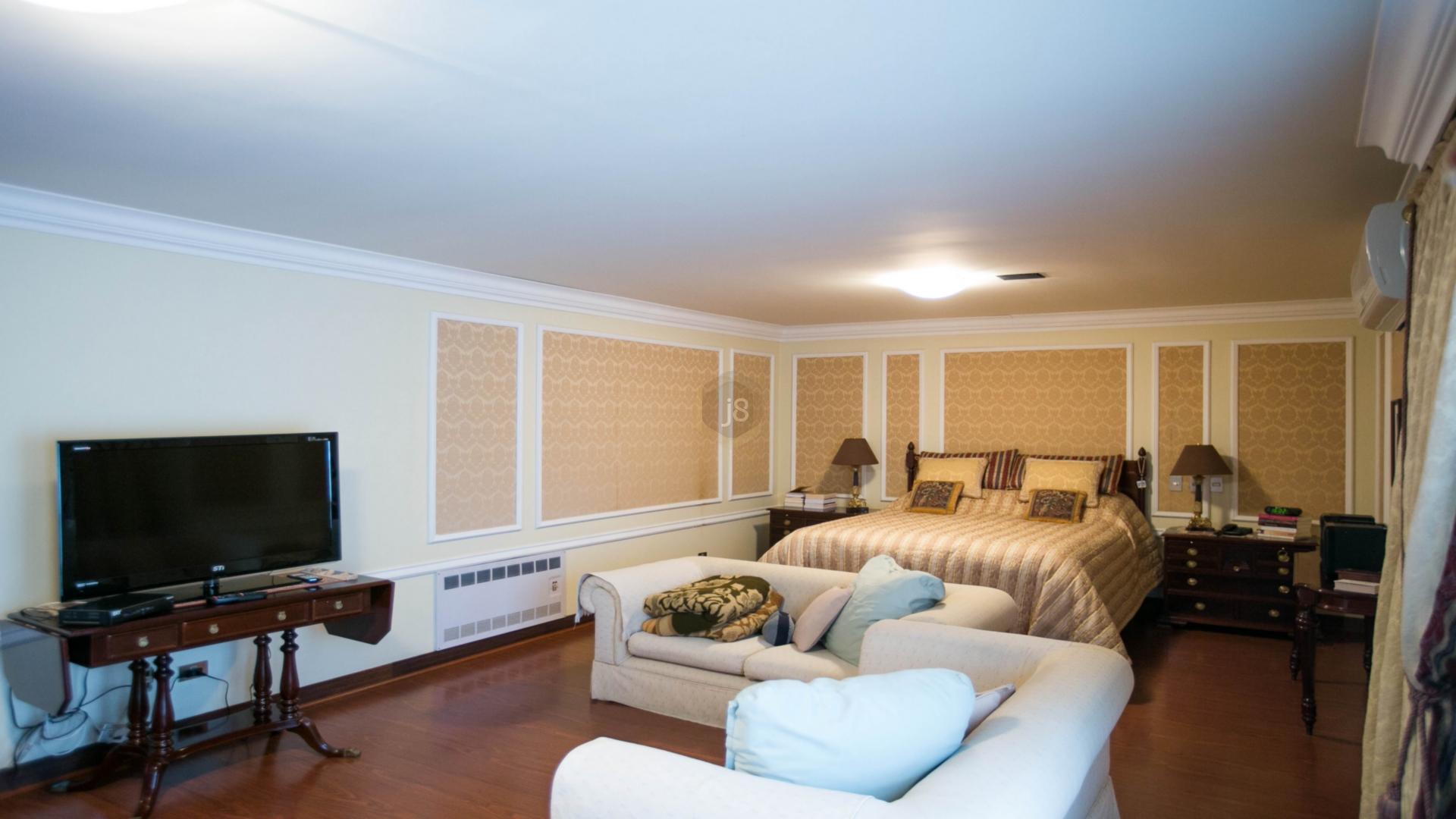 Casa Em Condominio de 5 dormitórios em São Lourenço, Curitiba - PR