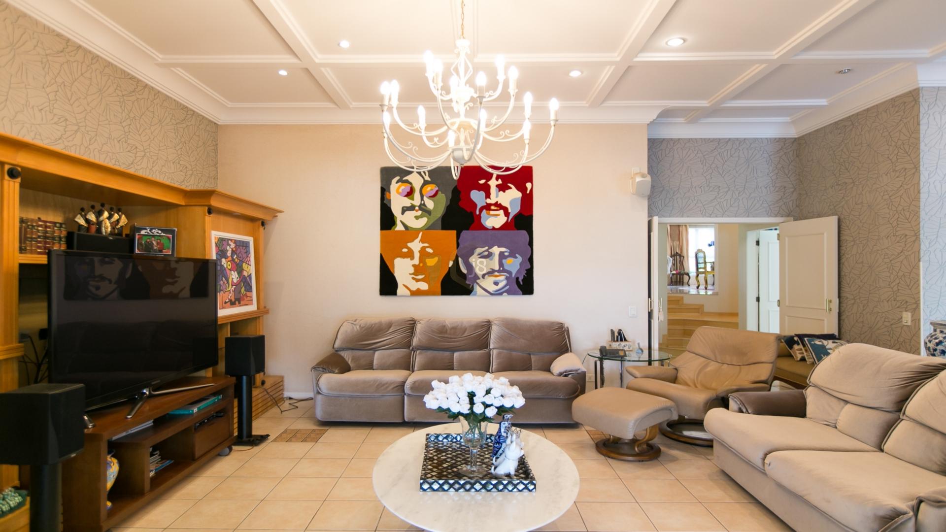 Casa Em Condominio de 4 dormitórios à venda em São João, Curitiba - PR