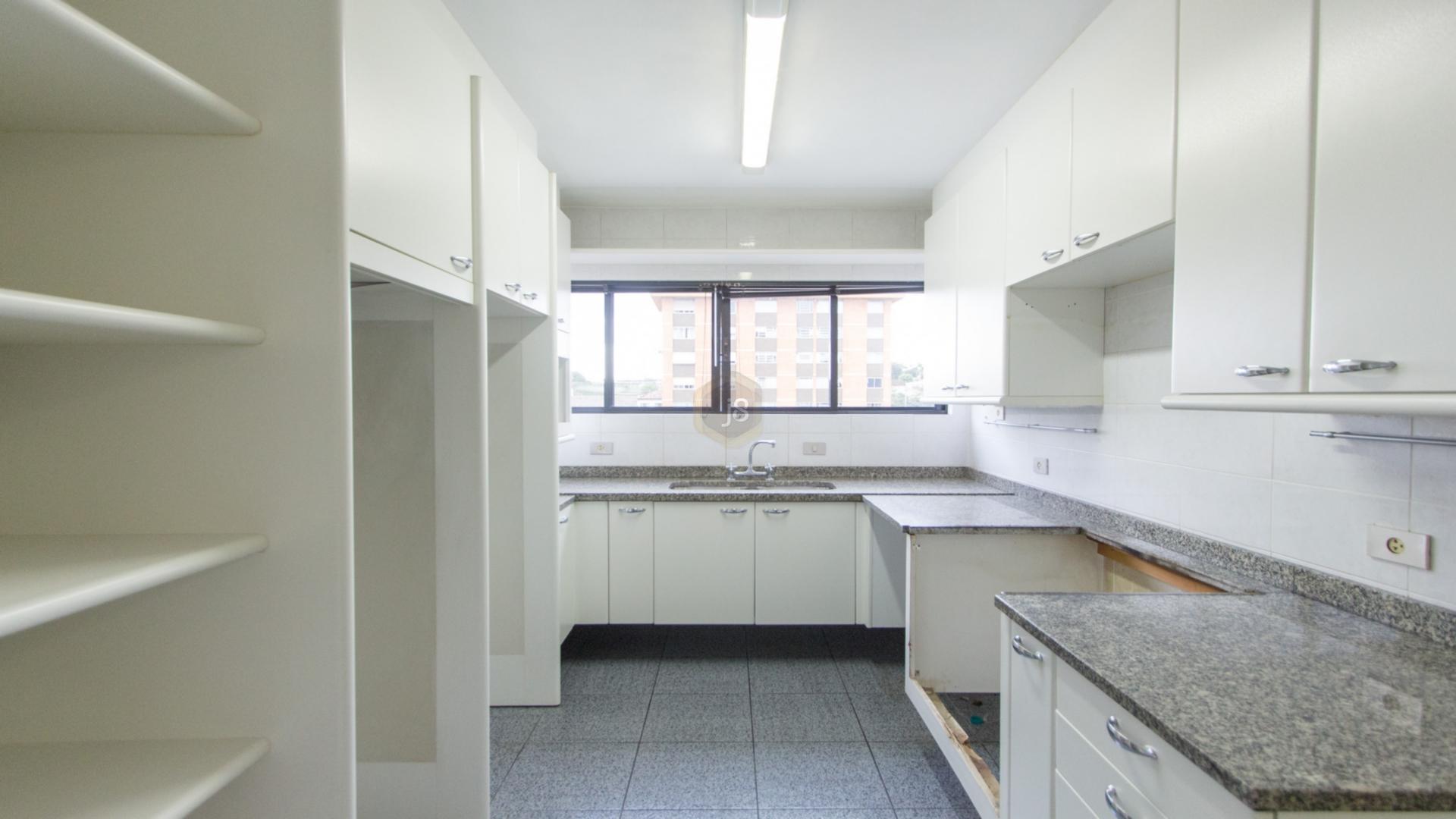 Apartamentos de 3 dormitórios em Bigorrilho, Curitiba - PR