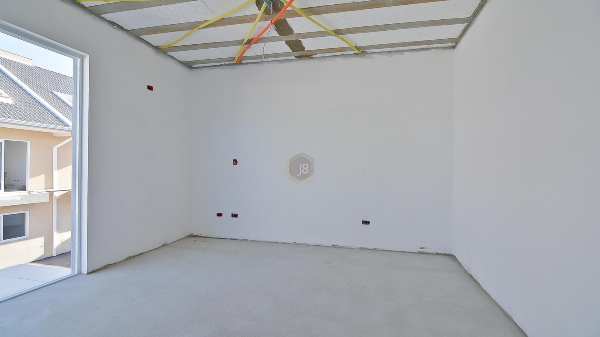 Sobrado de 3 dormitórios à venda em São Lourenço, Curitiba - PR