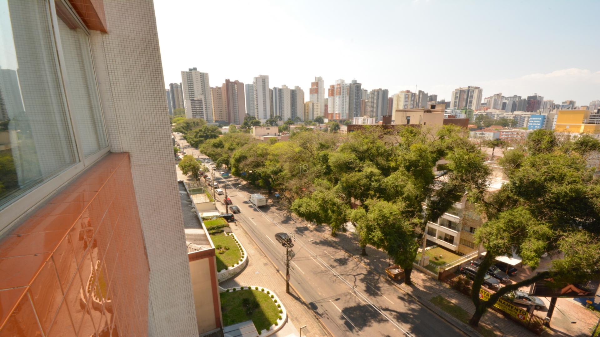 Apartamentos de 3 dormitórios em Água Verde, Curitiba - PR