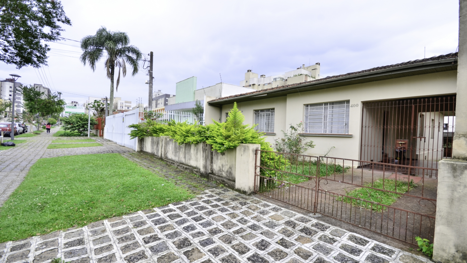 Casa de 3 dormitórios à venda em Água Verde, Curitiba - PR