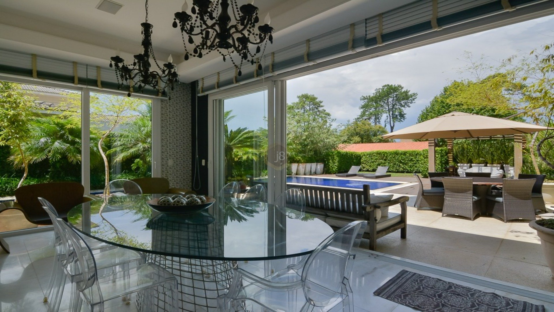 Foto de destaque Casa moderna em exclusivo condominio!