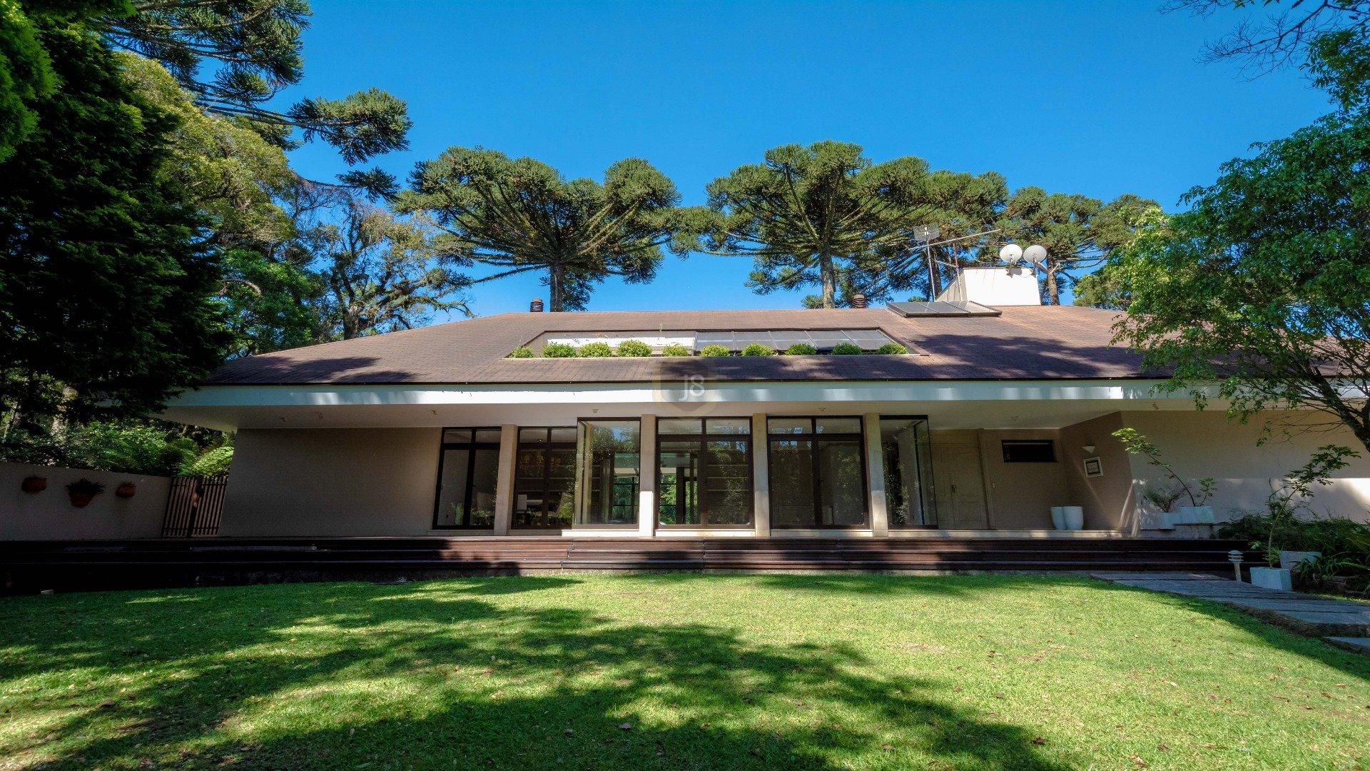 Foto de destaque Uma casa com muito charme, espaço e lazer