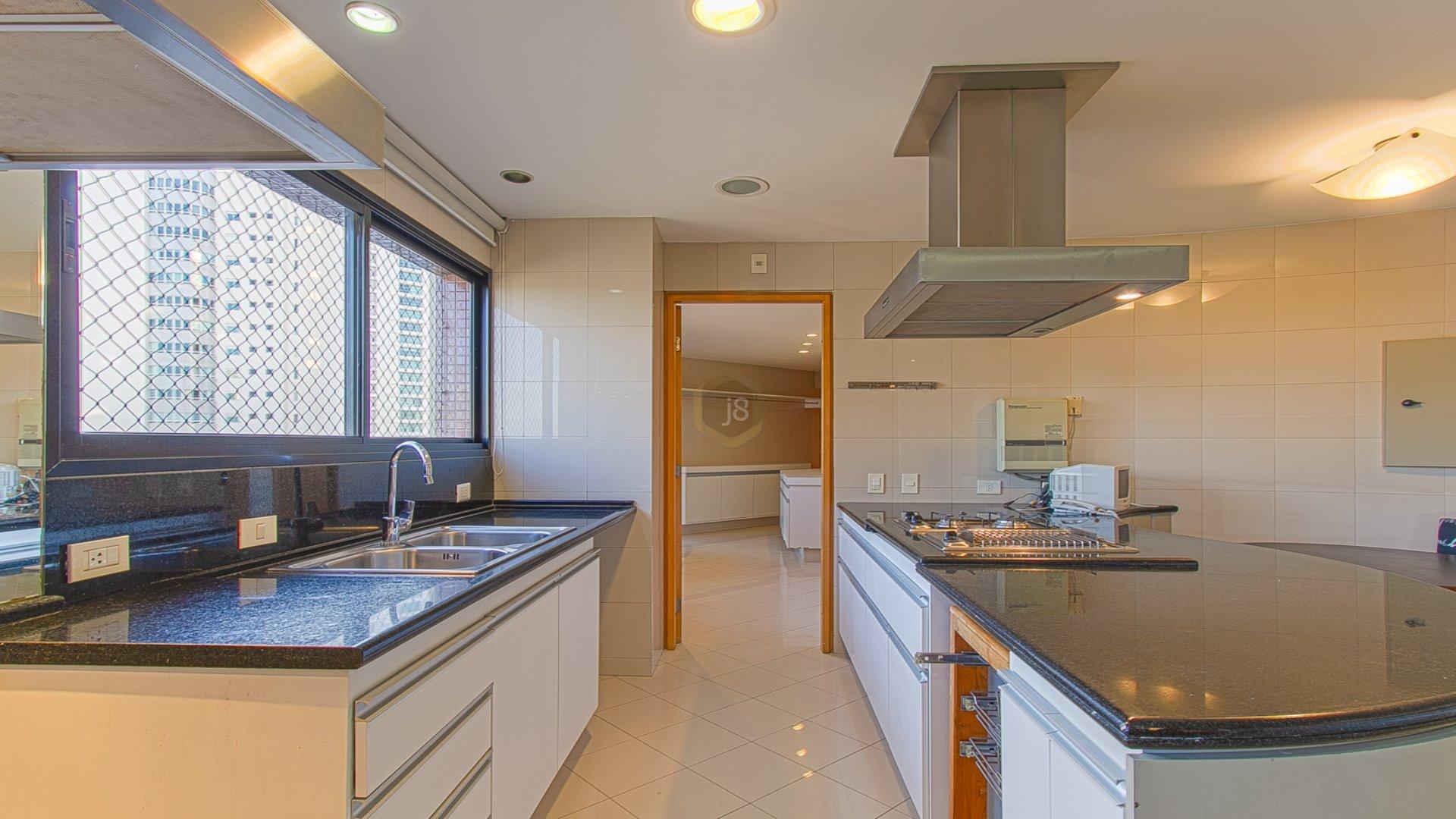 Foto de destaque Clássico apartamento no ecoville ! edifício juarez machado !