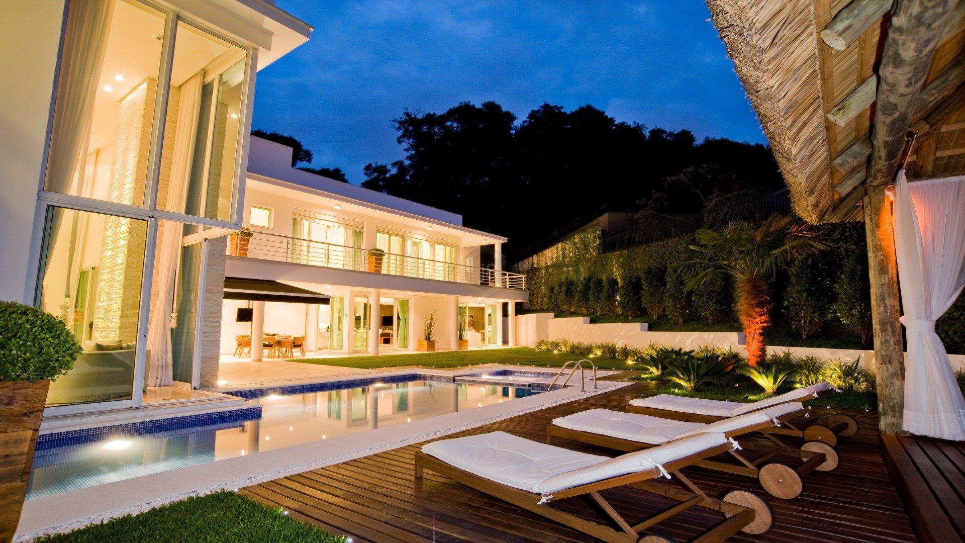 Foto de destaque Casa moderna, integrada e com linda piscina!