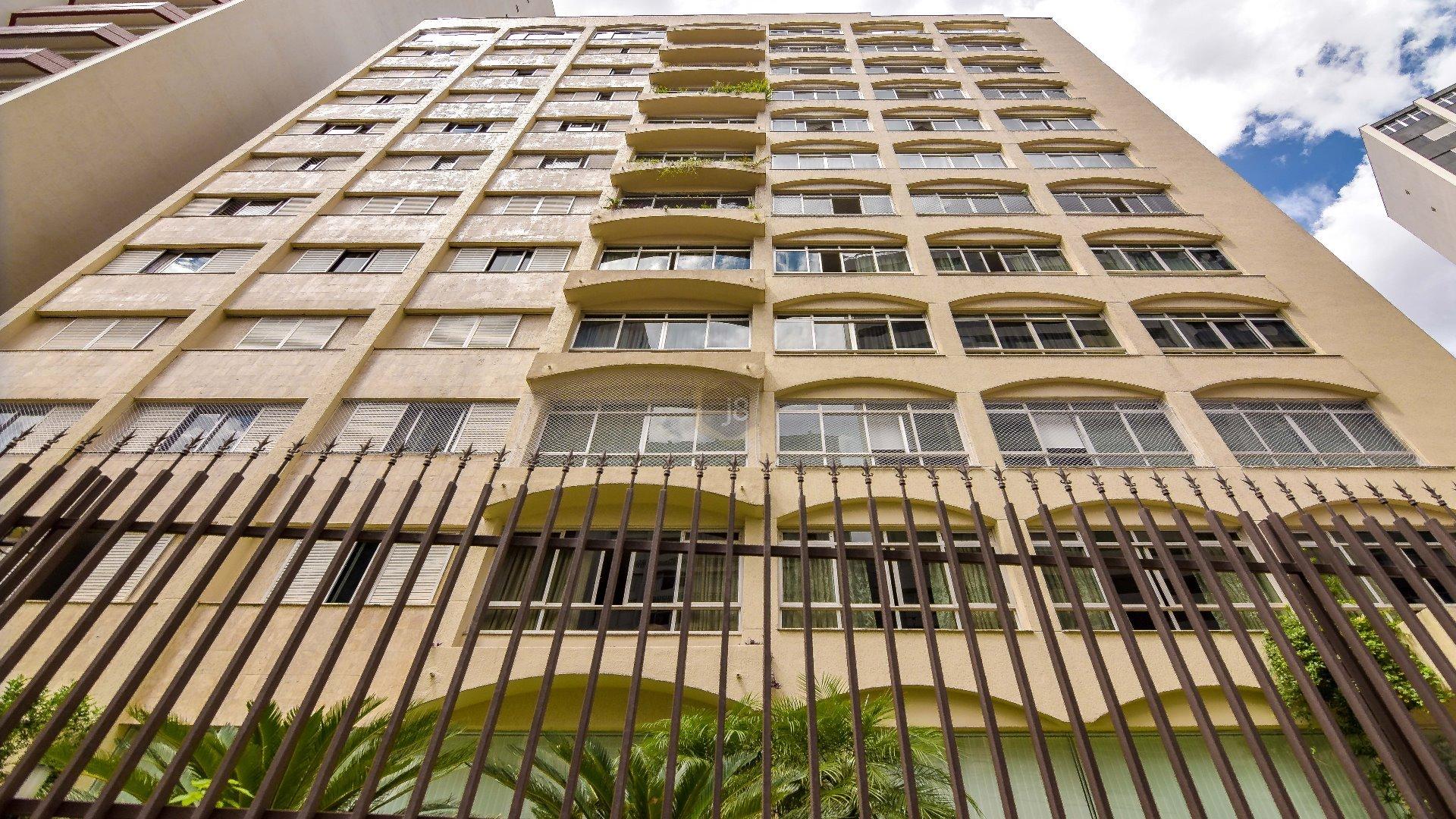 Foto de destaque Amplo apartamento, 4 dormitórios no batel !