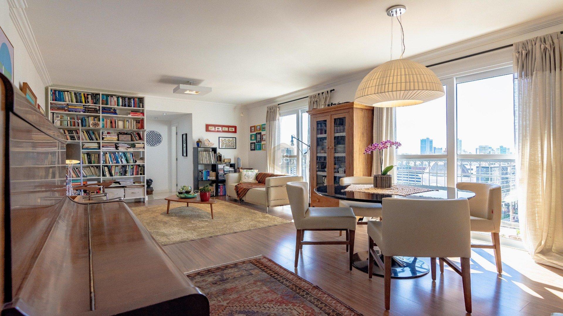 Foto de destaque Apartamento todo reformado no coração do batel !