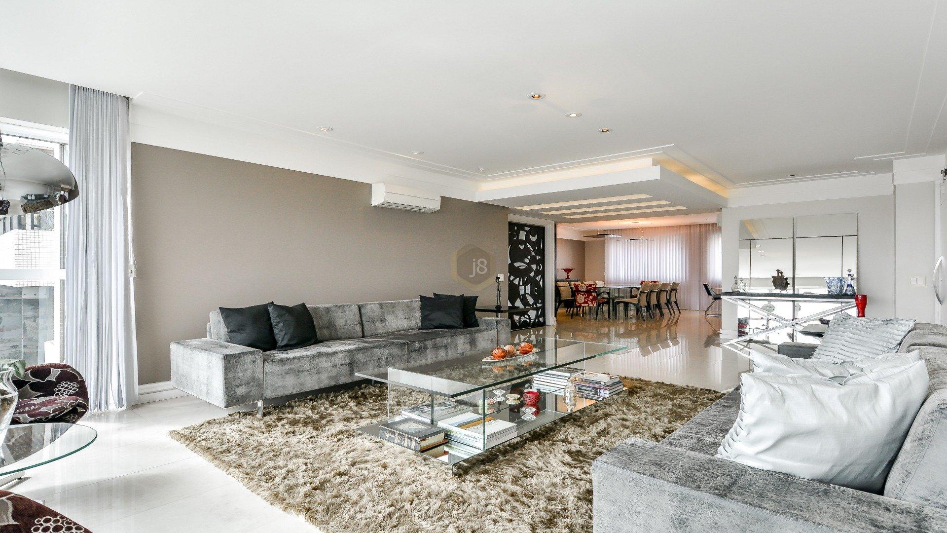 Foto de destaque Maravilhoso apartamento no coração do batel com 4 suítes e face norte.