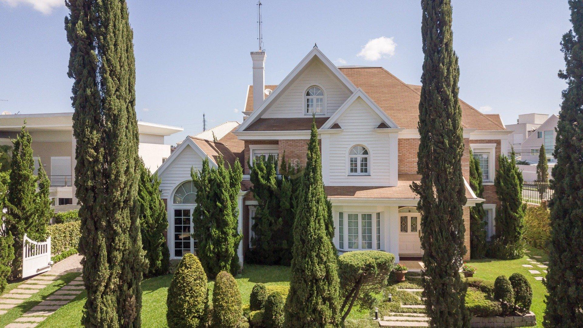 Foto de destaque Casa com amplo terreno em condominio fechado