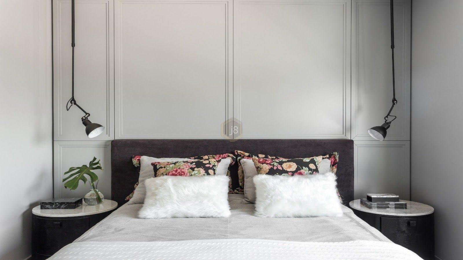 moldura de cama feita com boiserie